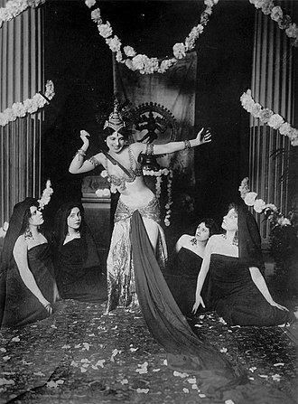 Mata Hari - Performing in 1905