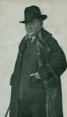 Photo of Max Malini wearing a heavy coat and hat