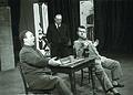 Med vajo za Vesele Windsorske v mariborski operi 1964.jpg