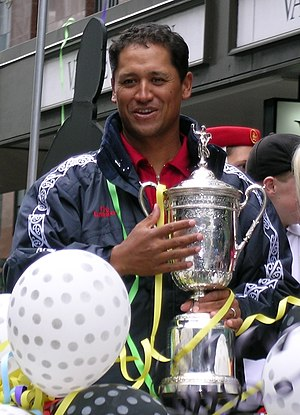 Michael Campbell - Michael Campbell holding U.S. Open Trophy