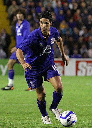 Mikel Arteta - Arteta playing for Everton.