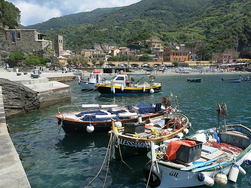 File:Monterosso Marina.jpg
