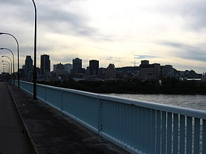 Pont de la Concorde (Montreal) - Montreal as seen from the Concorde Bridge