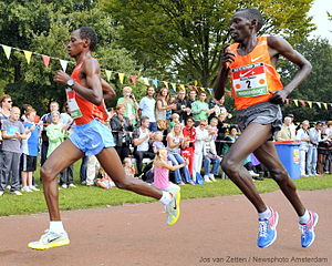 Dam tot Damloop - Moses Masai en route to his victory at the 2009 edition of the race