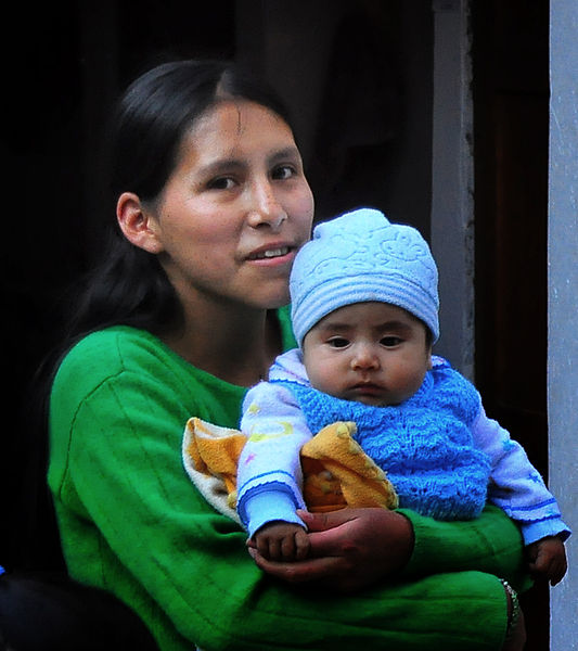 File:Mother and Child, Peru (8651500642).jpg