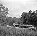 Motorschip Coppename dat vaart tussen Coronie en Nickerie, Bestanddeelnr 252-5624.jpg