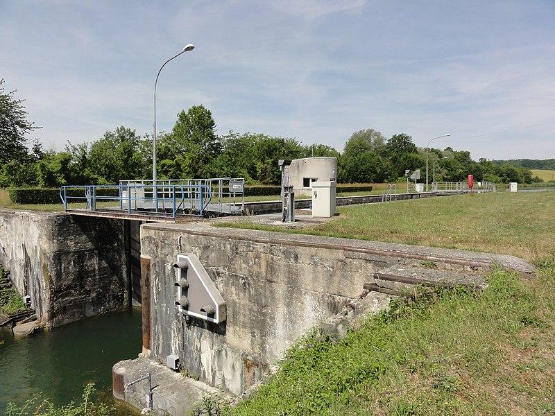 Moussy-Verneuil limite Soupir (Aisne) Canal de l'Oise à l'Aisne, écluse nr 12 de Moussy-Soupir