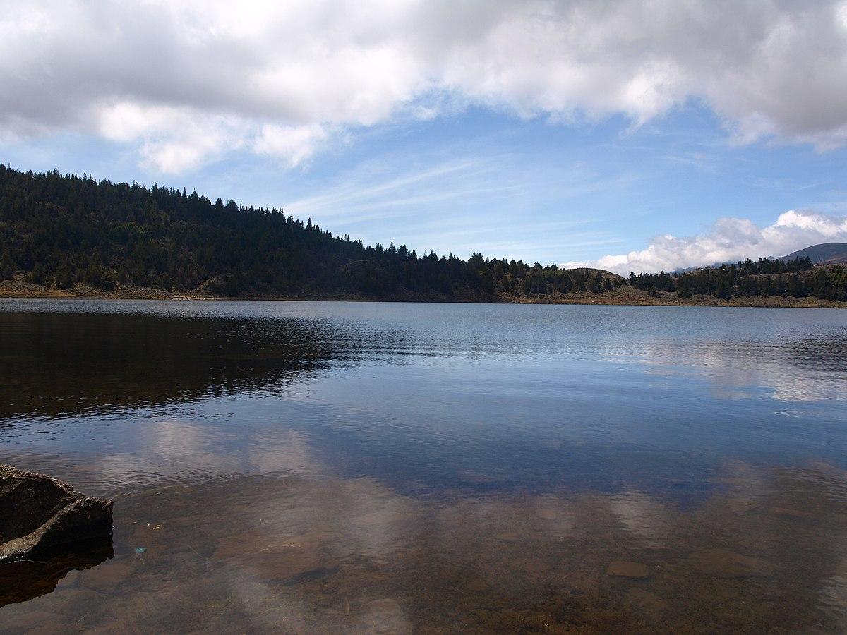 Laguna de mucubaj wikipedia la enciclopedia libre for Lagunas para cachamas