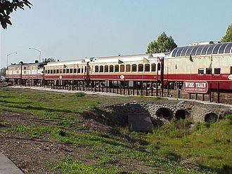 Napa Valley Wine Train - Image: Napa Valley Wine Train cars (MVC 116F)