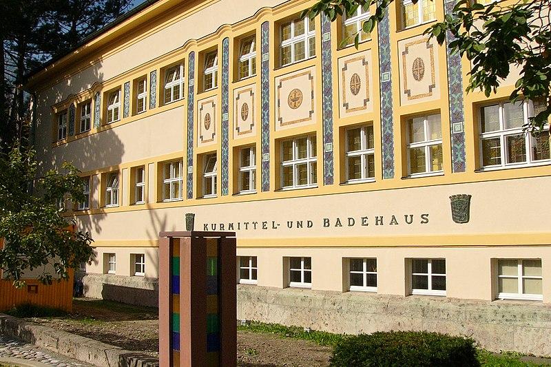 File:Neuskurmittelhaus01.jpg