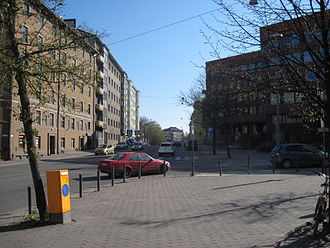 Nordenskiöldinkatu - Nordenskiöldinkatu, looking west from Mannerheimintie. To the right is the KELA head office.