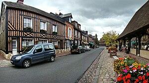Beuvron-en-Auge - The village centre