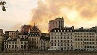 Notre-Dame de Paris, Incendie 15 avril 2019 20h11.06.jpg