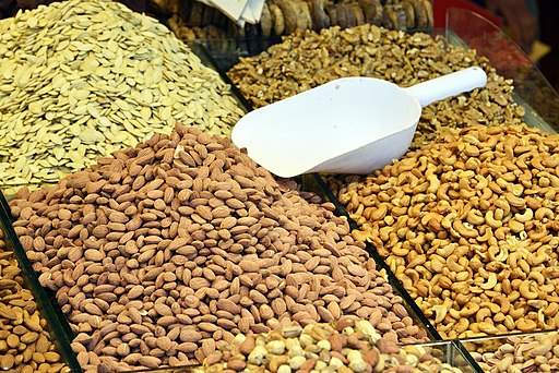 Nuts on Spice Bazaar in Istanbul 01