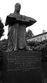 Nyplääjäpatsas Statue.jpg