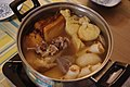 Oden (Japanese cooked dish) (4000320777).jpg