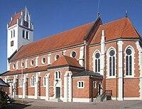 Oggelshausen Pfarrkirche außen.jpg