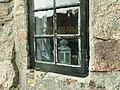 Okno domku żołnierskiego - panoramio.jpg