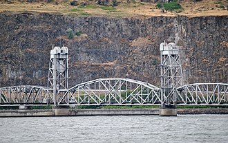 Oregon Trunk Rail Bridge - The lift span in the lowered position, the less common position