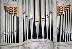 Orgel Kirche Mariager.jpg