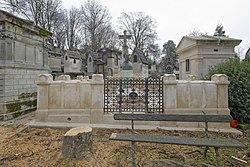 Benedetto Pistrucci: Tomb of Carlo Andrea Pozzo di Borgo