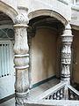 Périgueux hôtel Lestrade colonnes.JPG