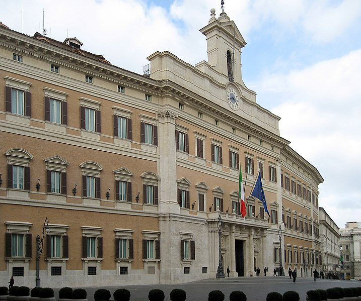 Palais Omtecitorio, siège du Parlement italien. Photo de Manfred Heyde sur commons.wikimedia.org