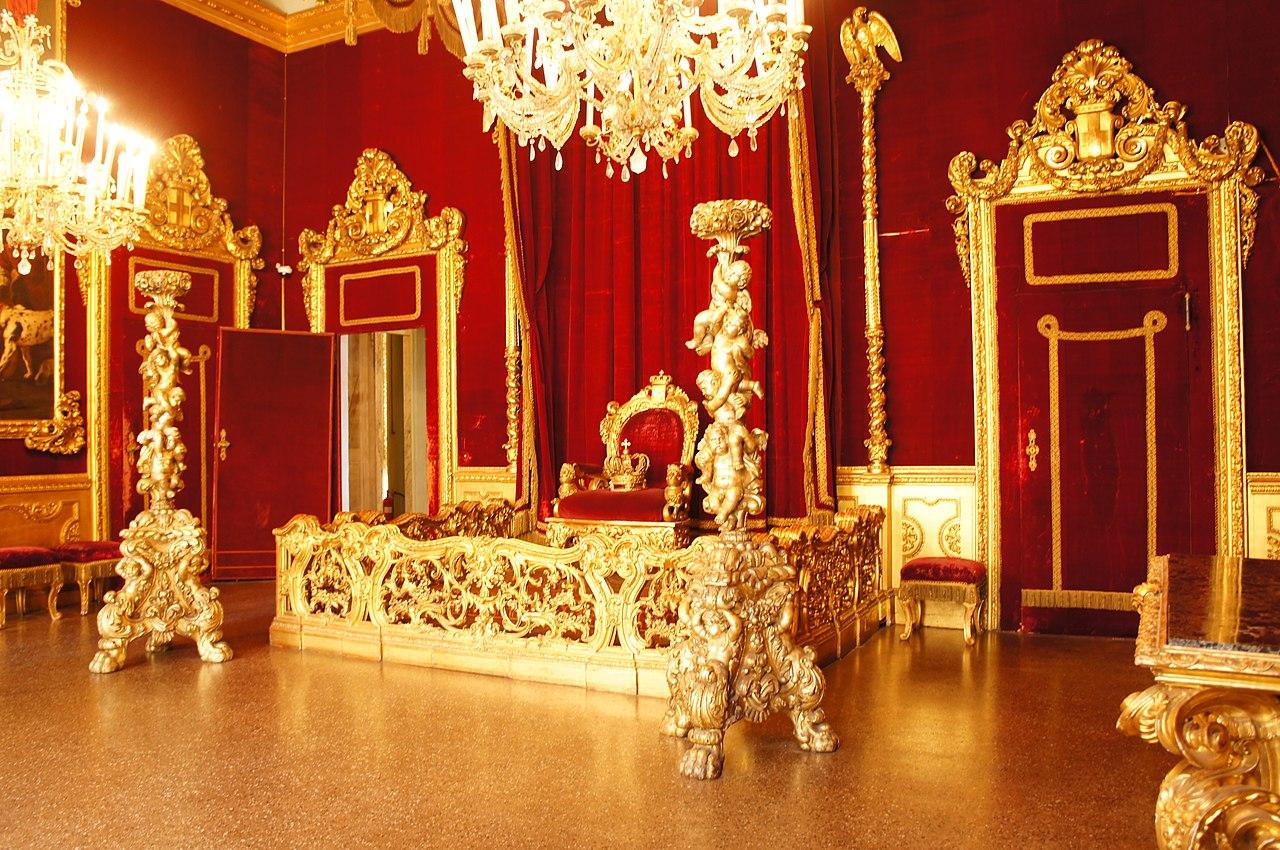 пусть фото королевских тронах говорит шести