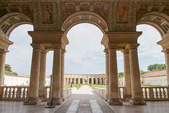 Palazzo del Te - Image: Palazzo Te Veduta del giardino interno