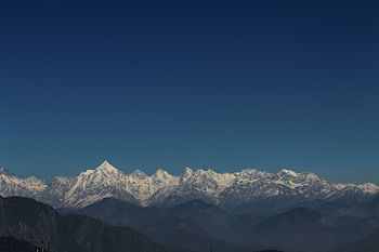 Panchachuli and nearby peaks.jpg
