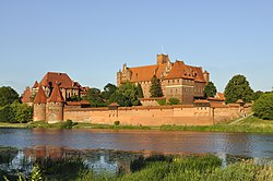 Panorama of Malbork Castle, part 3.jpg