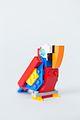 Papegaai van lego - metafoor Bond tegen vloeken.jpg