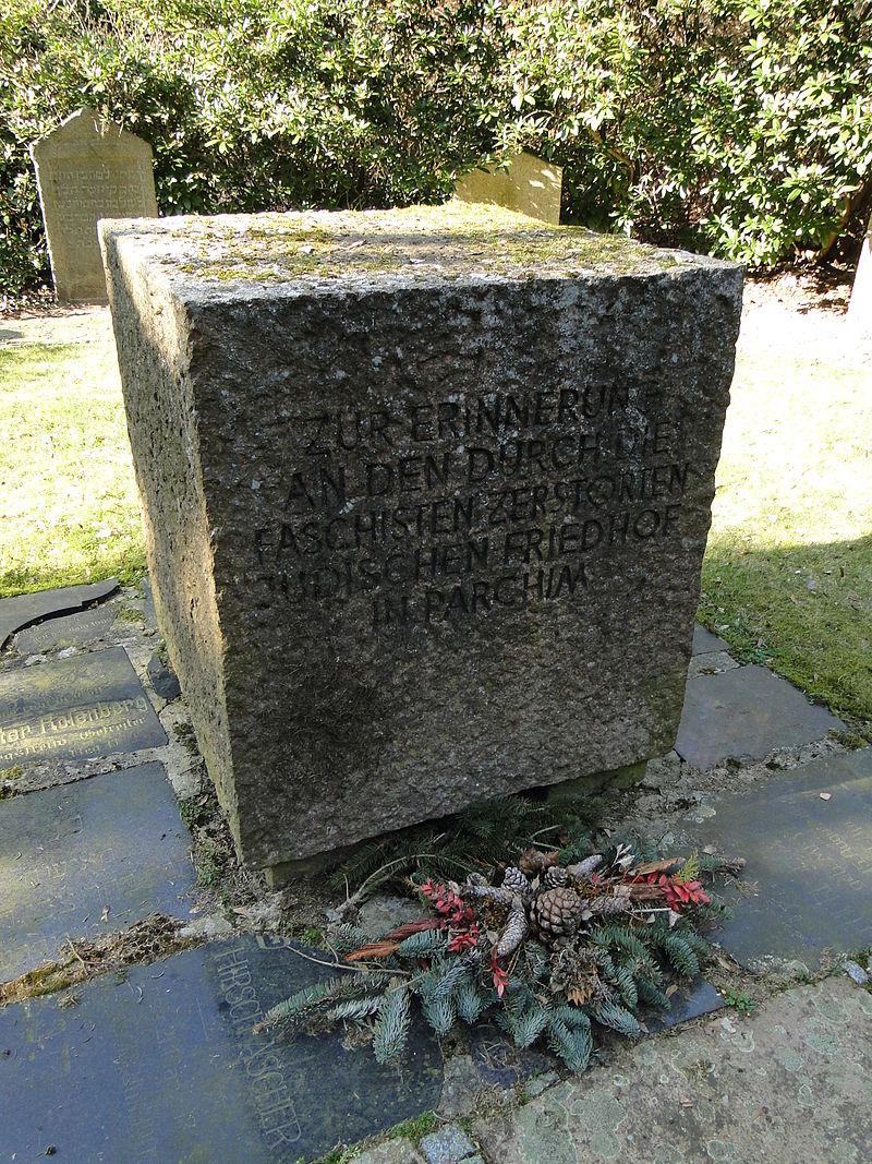 Parchim Neuer Friedhof Gedenkstätte für den jüdischen Friedhof 2012-03-23 565.JPG
