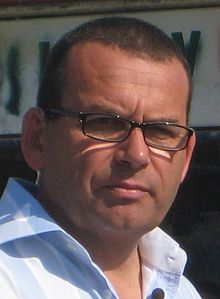 Paul Henry (New Zealand broadcaster) (cropped).jpg
