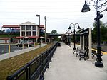 Pennsauken Transit Center from River Line platform, May 2015.jpg