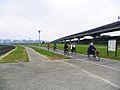 People Cycling in Yingfeng Riverside Park Bikeway 20100102.jpg