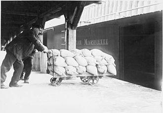 Pere Marquette Railway - Loading salt into a Pere Marquette boxcar