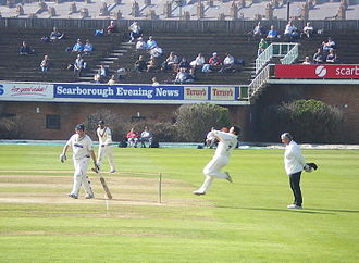 Peter Trego - Trego bowling for Somerset at North Marine Road Ground, Scarborough