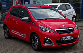 Peugeot 108 PureTech 82 TOP! Allure – Frontansicht, 6. September 2014.jpg