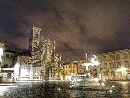 Veduta notturna di piazza del Duomo