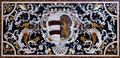 Pietra-dura-Platte mit Wappen.png