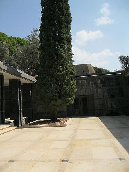 אחוזת הקבר בגן הברון