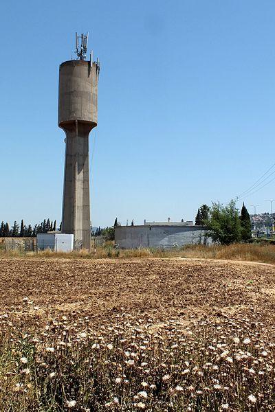 עפולה: מגדל המים בפינת דרך רבין ודרך בן גוריון א'