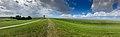 Pilsumer Leuchtturm auf dem Deich (50691447003).jpg