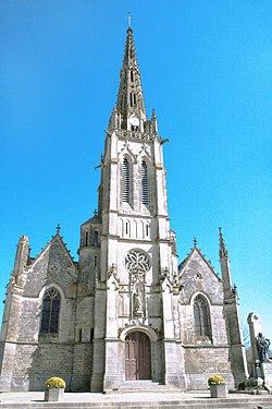 PiréSurSeiche Eglise 20070408.jpg