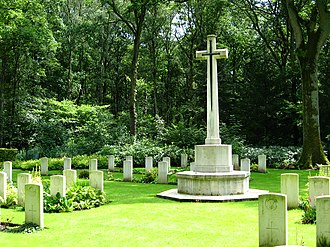 Ploegsteert Wood - A Cross of Sacrifice in Berks CWGG Cemetery Extension