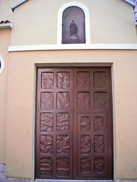 Archivo:Portón de la Iglesia del Convento de Santa Isabel (Valladolid).jpg