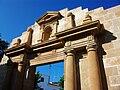 Portada reconstruïda de l'església de Sant Pere de Benissa.JPG