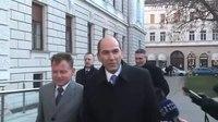 File:Pred obravnavo v zadevi Patria 09-01-2012.webm