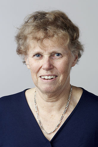 Marian Dawkins - Image: Professor Marian Dawkins CBE FRS headshot